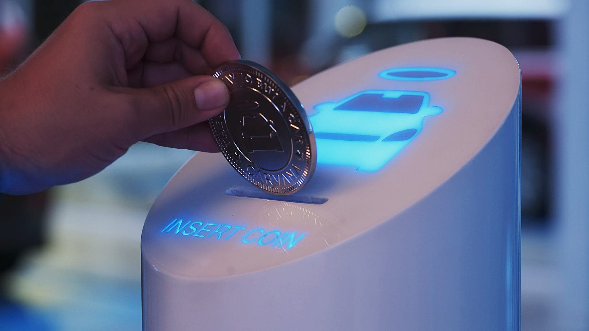 Carvana opens Miami vending machine
