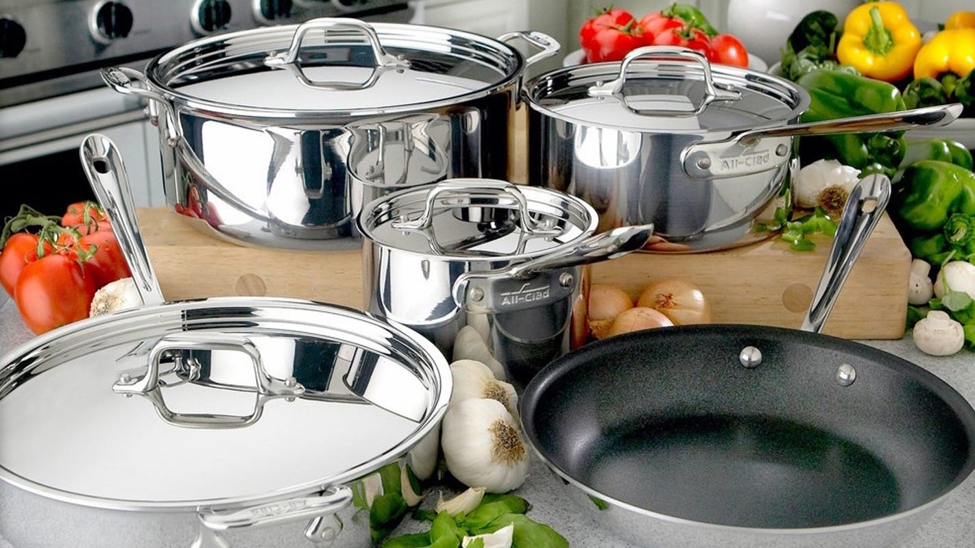 Get high-end cookware for an amazing price right now
