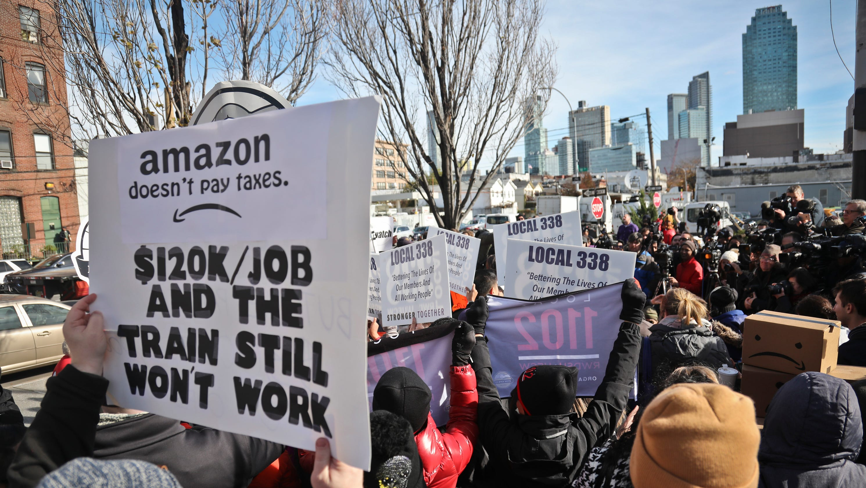 Amazon, Instacart workers plan May Day protest over COVID conditions