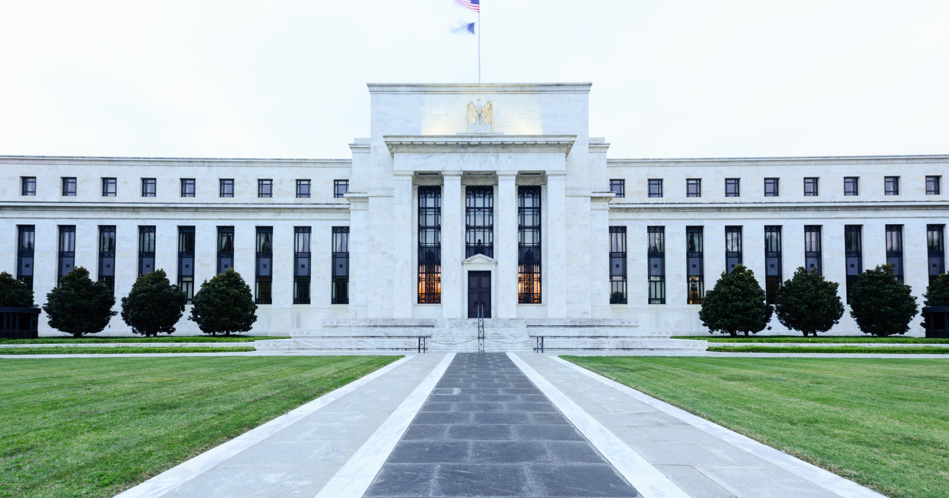 Fed holds key rate near zero, vows forceful steps amid virus