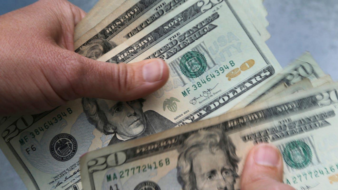 Trump letter to stimulus check recipients causes stir