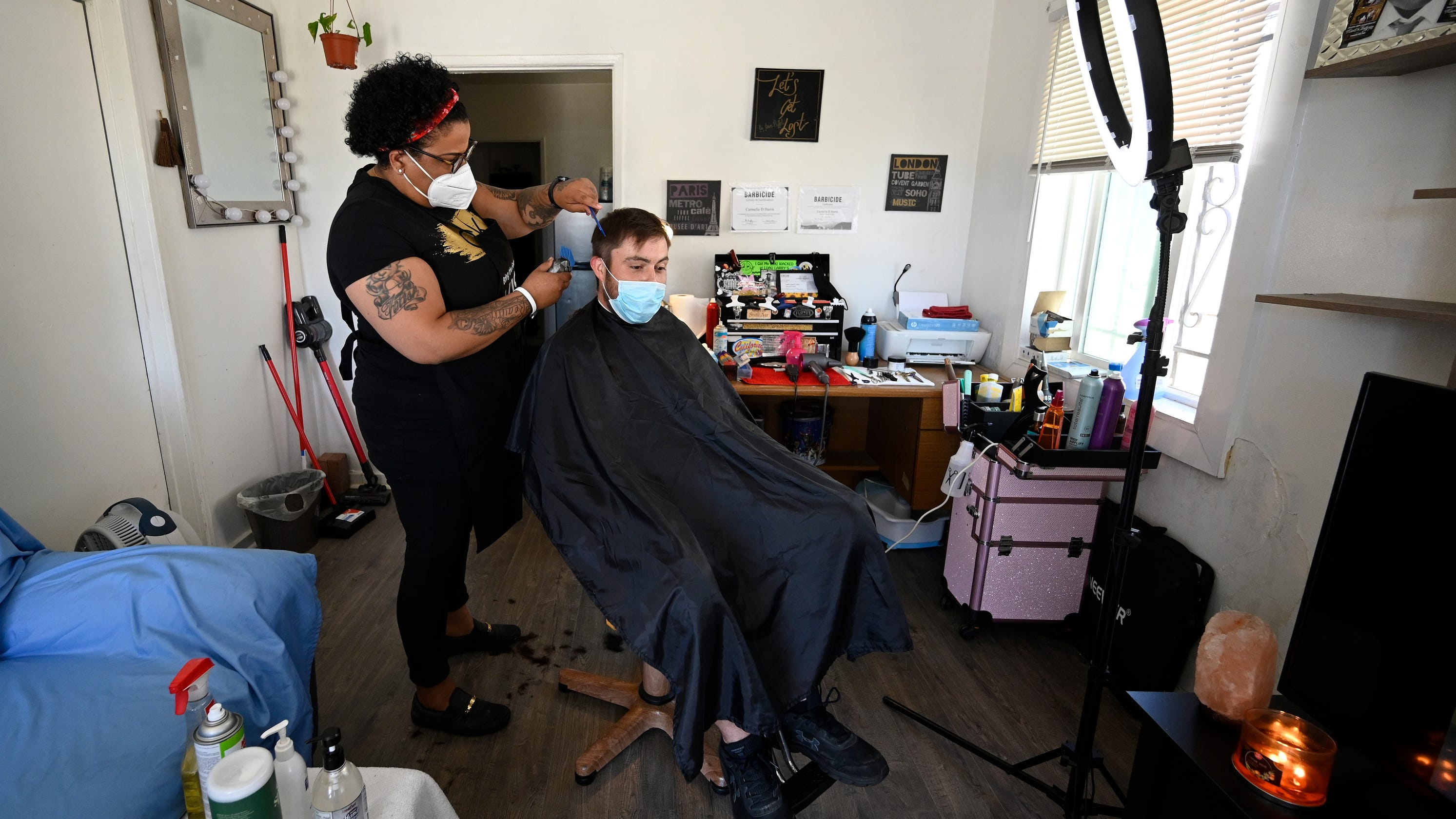 Barbers and hair stylists defy stay at home orders