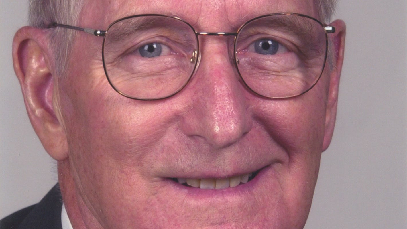 Bill Keating, former congressman and Enquirer publisher, dead at 93