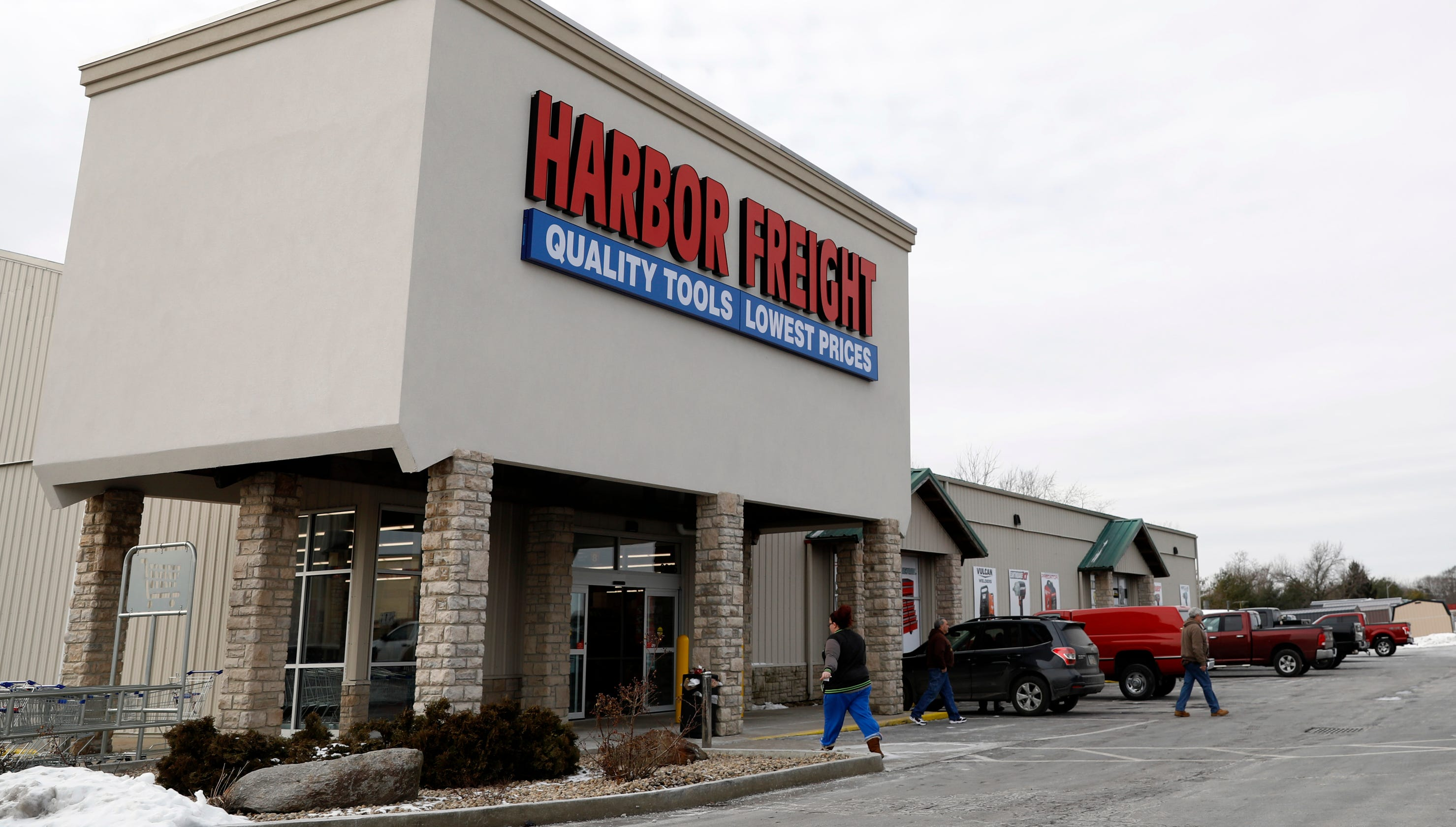Harbor Freight recalling 454,000 jack stands because they can drop causing 'serious injury'