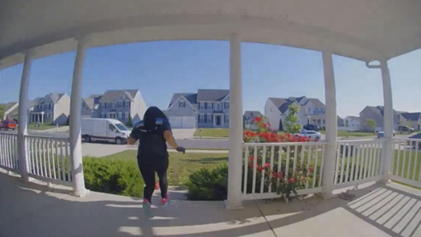 Delaware Amazon driver screams 'abracadabra' and runs after delivery
