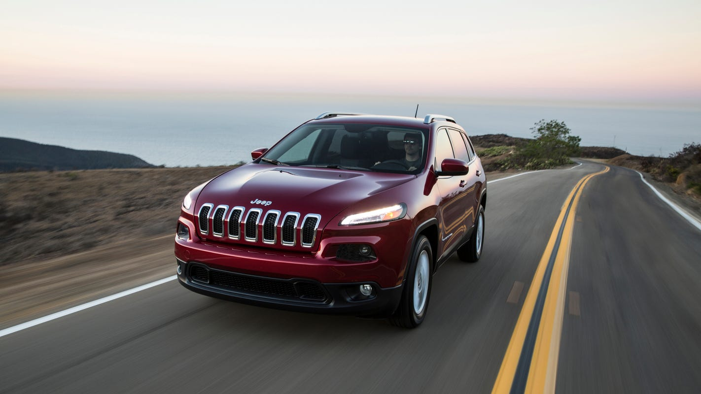 Jeep Cherokee rollaway risk leads to FCA recall