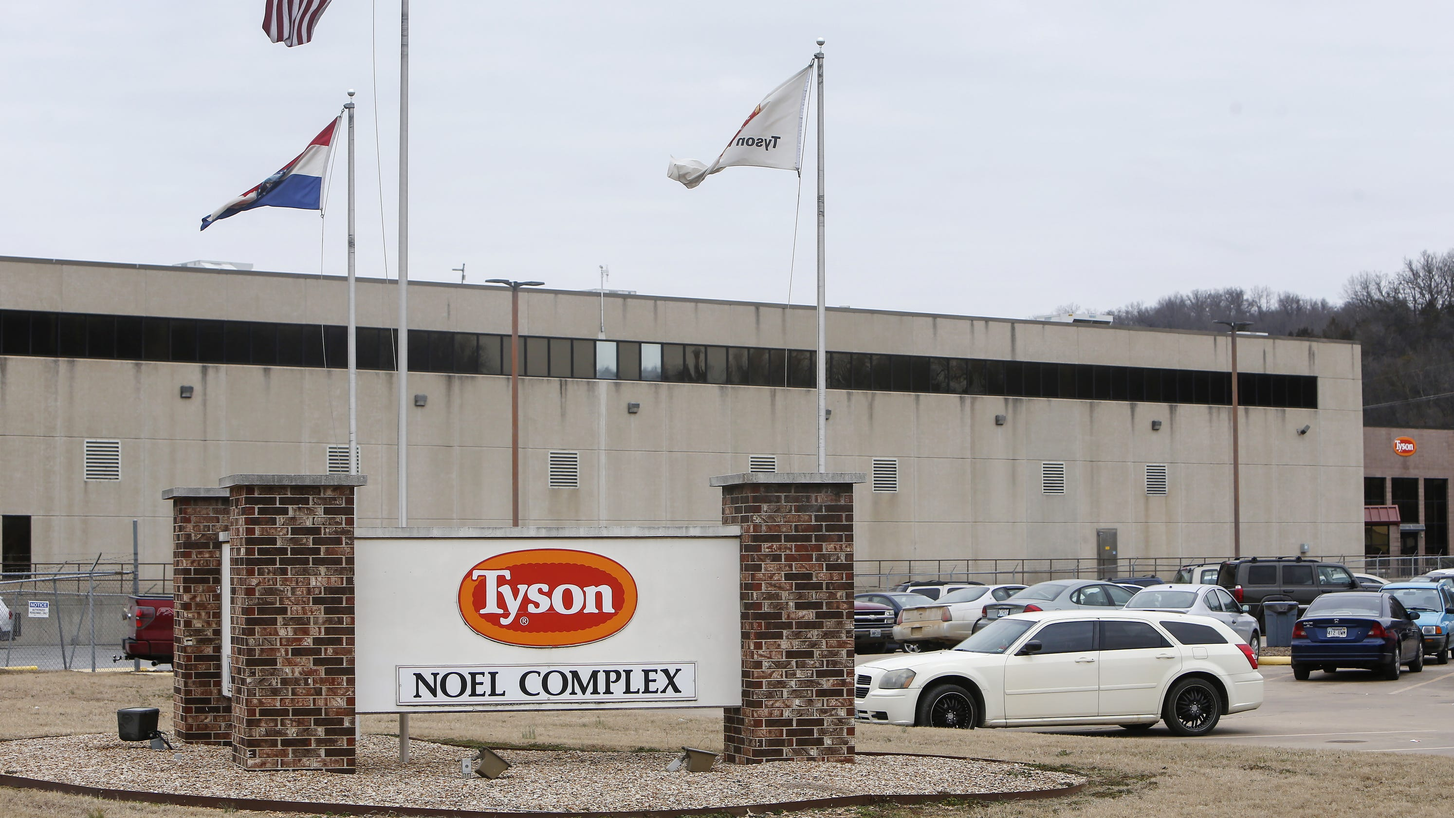 Tyson Foods' Missouri chicken plant has 371 positive COVID-19 tests