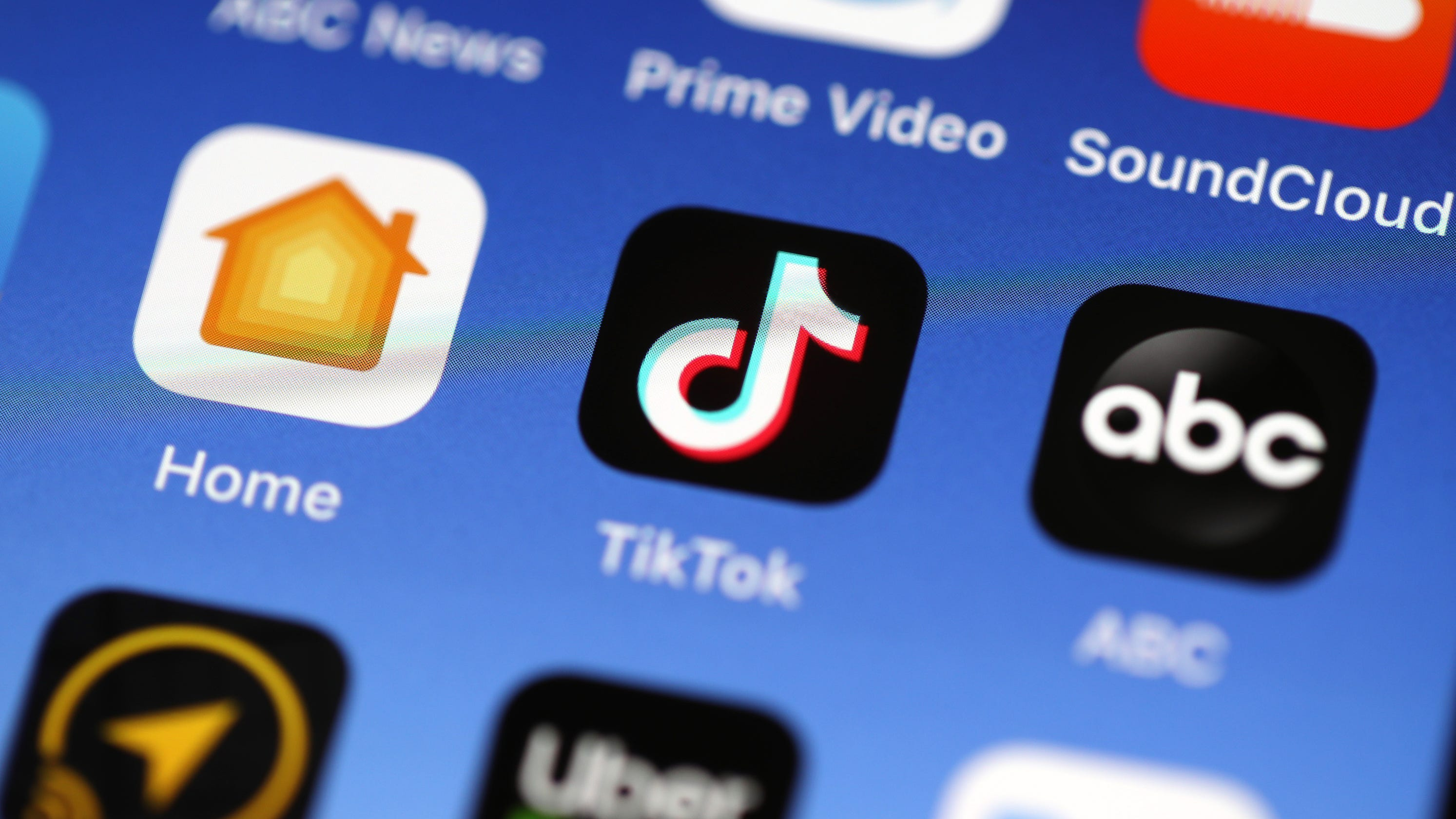 Ban TikTok? Trump campaign pushes Facebook ads asking if he should block the music app