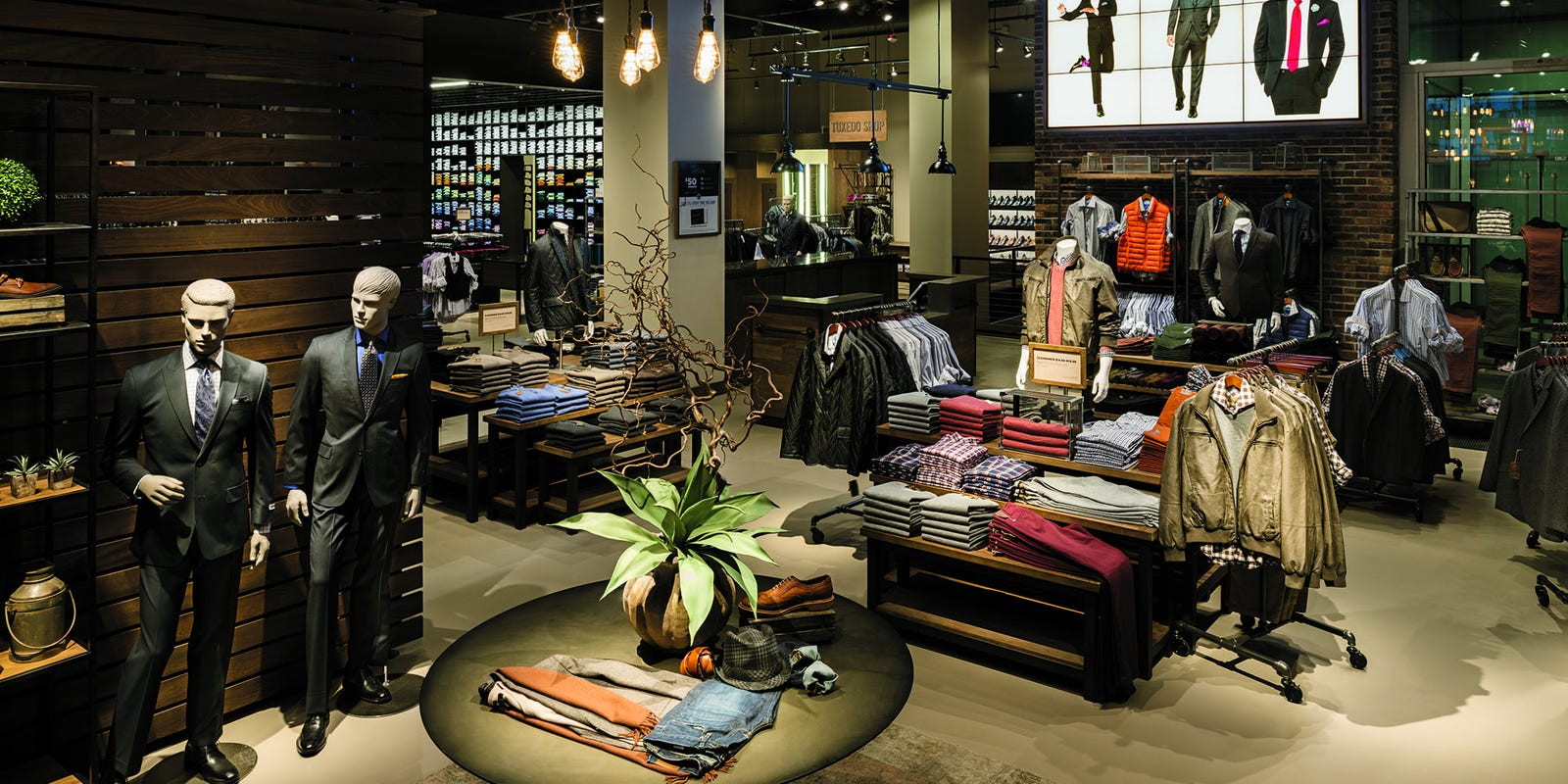 Tailored Brands to close 500 stores