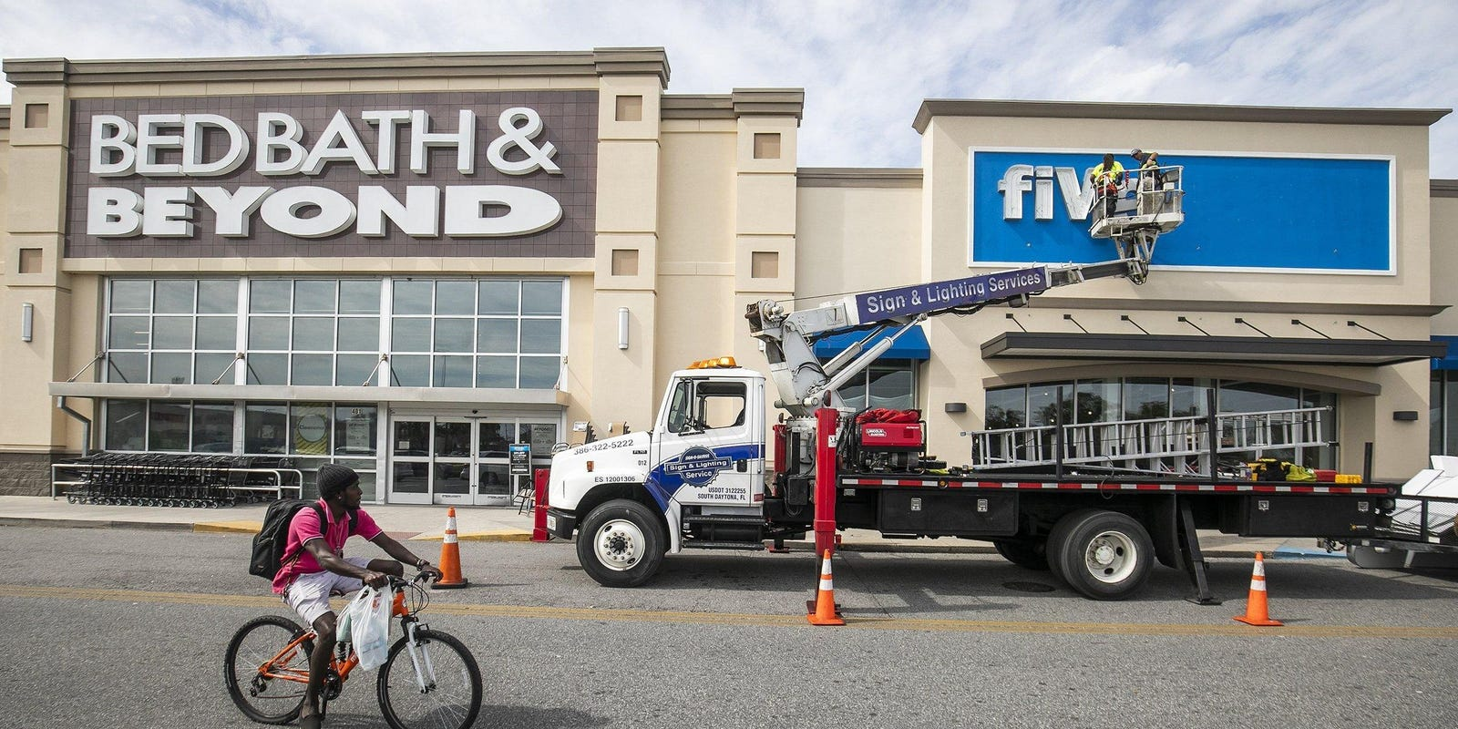 Bed Bath & Beyond to eliminate 2,800 jobs 'effective immediately'