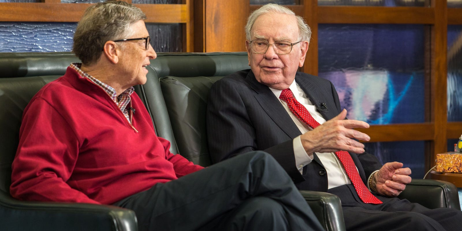 Bill Gates honors Warren Buffett's 90th birthday with funny cake baking video