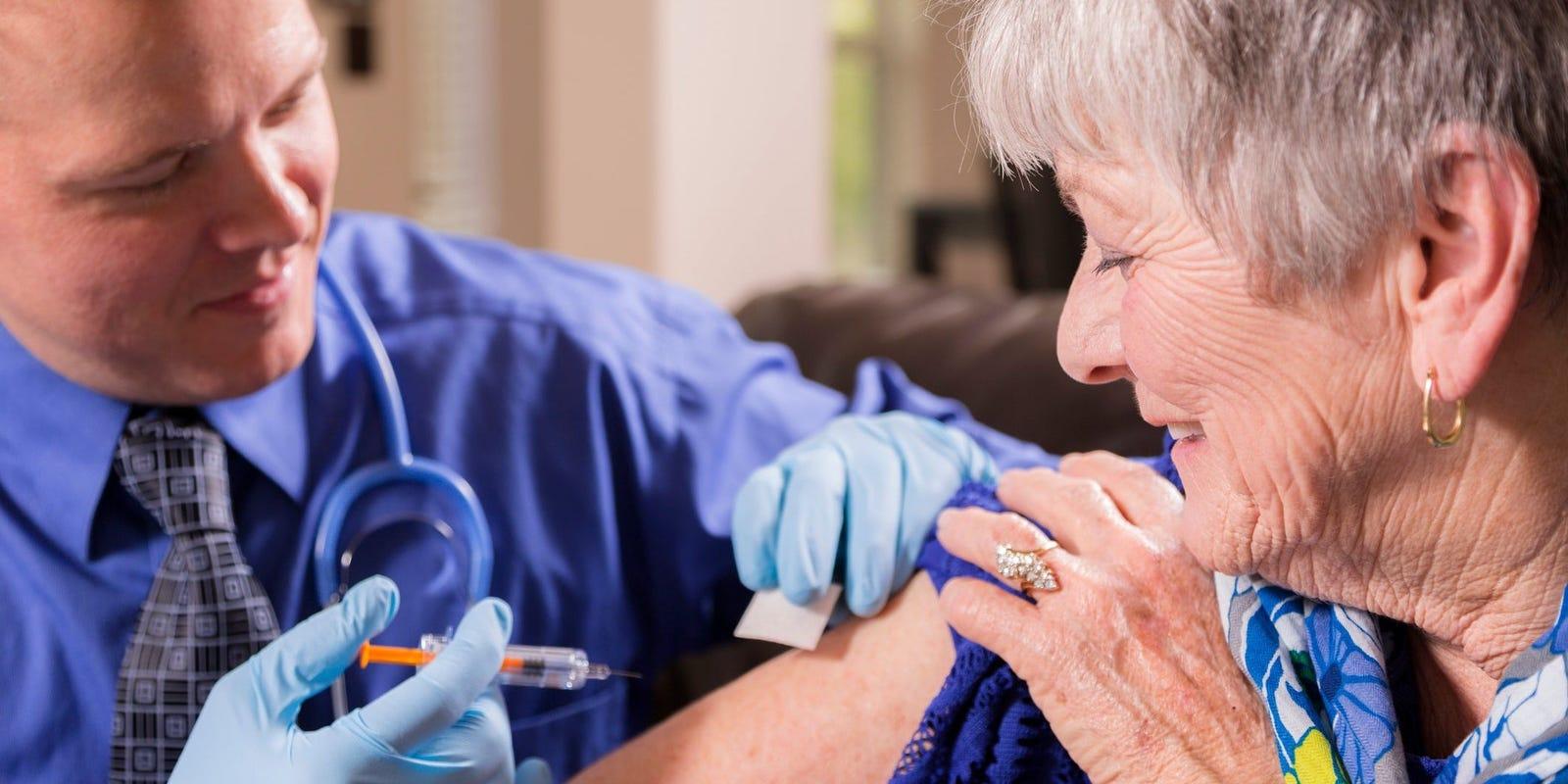 CVS, Walgreens flu shots begin: Pharmacists take COVID-19 precautions
