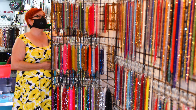 Fla. bead shop's policy draws death threats, donations