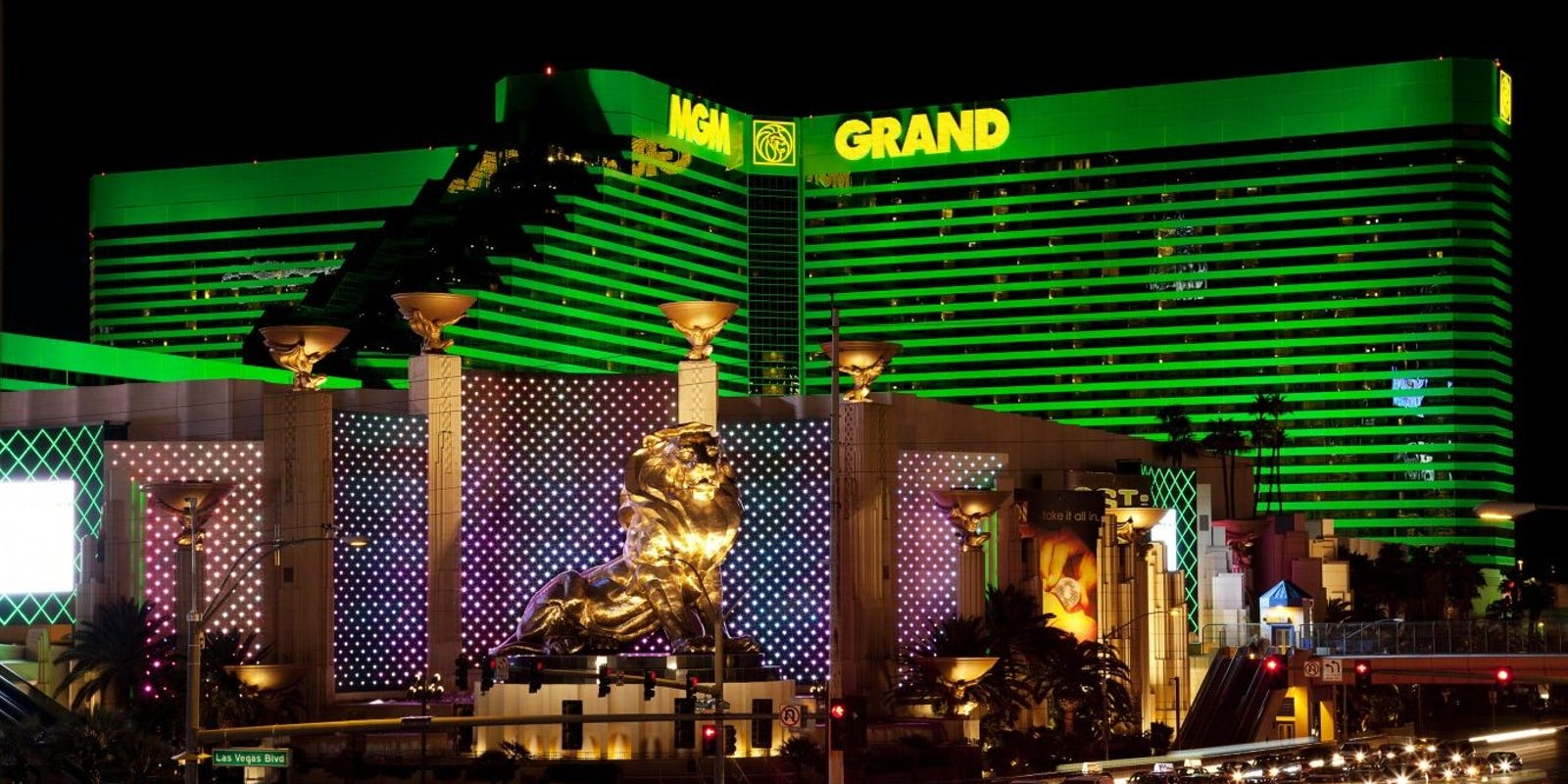 MGM Resorts expects to lay off 18,000 workers