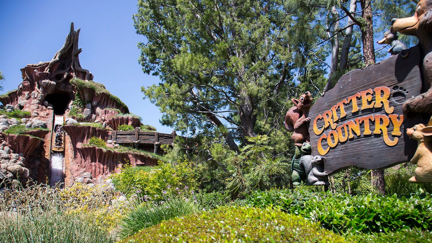 Calif. governor closer to allowing theme park reopening