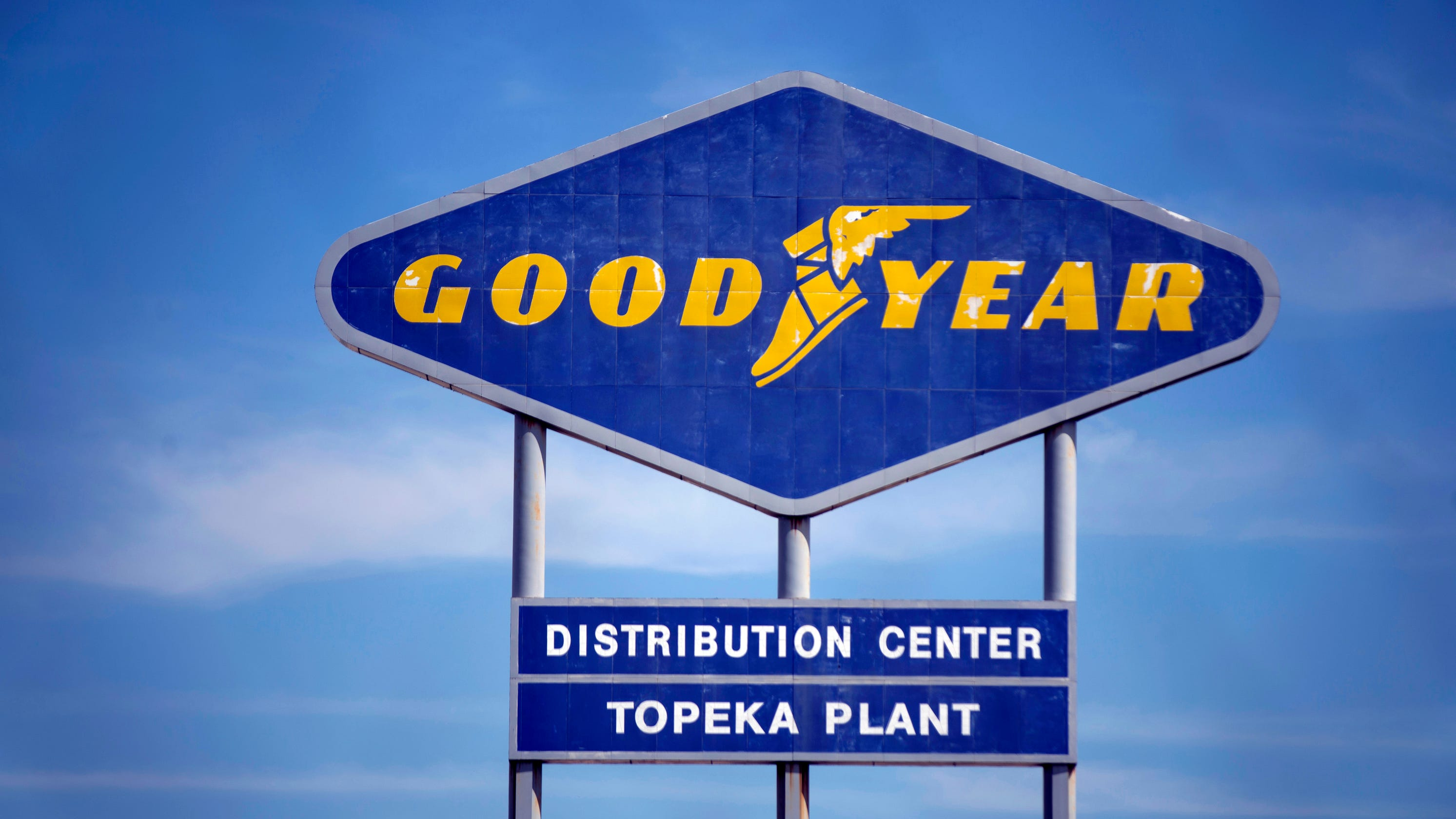 Robert Mercer, Goodyear's former CEO and chairman, dies at 96